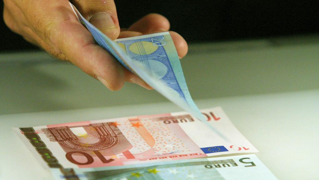 Αύξηση κατώτατου μισθού-Δείτε πότε θα γίνει και πόσα δικαιούστε από €900,00/χρόνο [ΒΙΝΤΕΟ] @E_Achtsioglou
