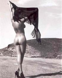 Η Δωροθέα Μερκούρη, η δική μας Bellucci στα πρώτα της γυμνά (ΦΩΤΟ) (14)