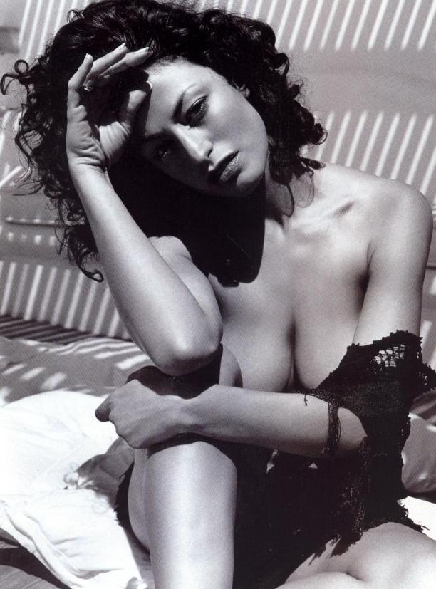Η Δωροθέα Μερκούρη, η δική μας Bellucci στα πρώτα της γυμνά (ΦΩΤΟ) (9)