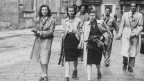Η Ημέρα της Νίκης στην ΕΣΣΔ και τώρα στη Ρωσία εορτάζεται στις 9 Μαΐου σε αντίθεση με τη Δ Ευρώπη. Η Συνθηκολόγηση έγινε στις 11μμ ώρα Βερολίνου, δηλ. 1πμ της επομένης ώρα Μόσχας (13)