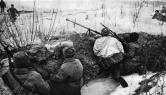 Η Ημέρα της Νίκης στην ΕΣΣΔ και τώρα στη Ρωσία εορτάζεται στις 9 Μαΐου σε αντίθεση με τη Δ Ευρώπη. Η Συνθηκολόγηση έγινε στις 11μμ ώρα Βερολίνου, δηλ. 1πμ της επομένης ώρα Μόσχας (18)