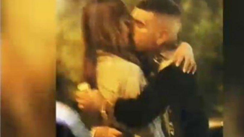 Κρυφή κάμερα: Τα καυτά φιλιά του Snik στην Ηλιάνα Παπαγεωργίου