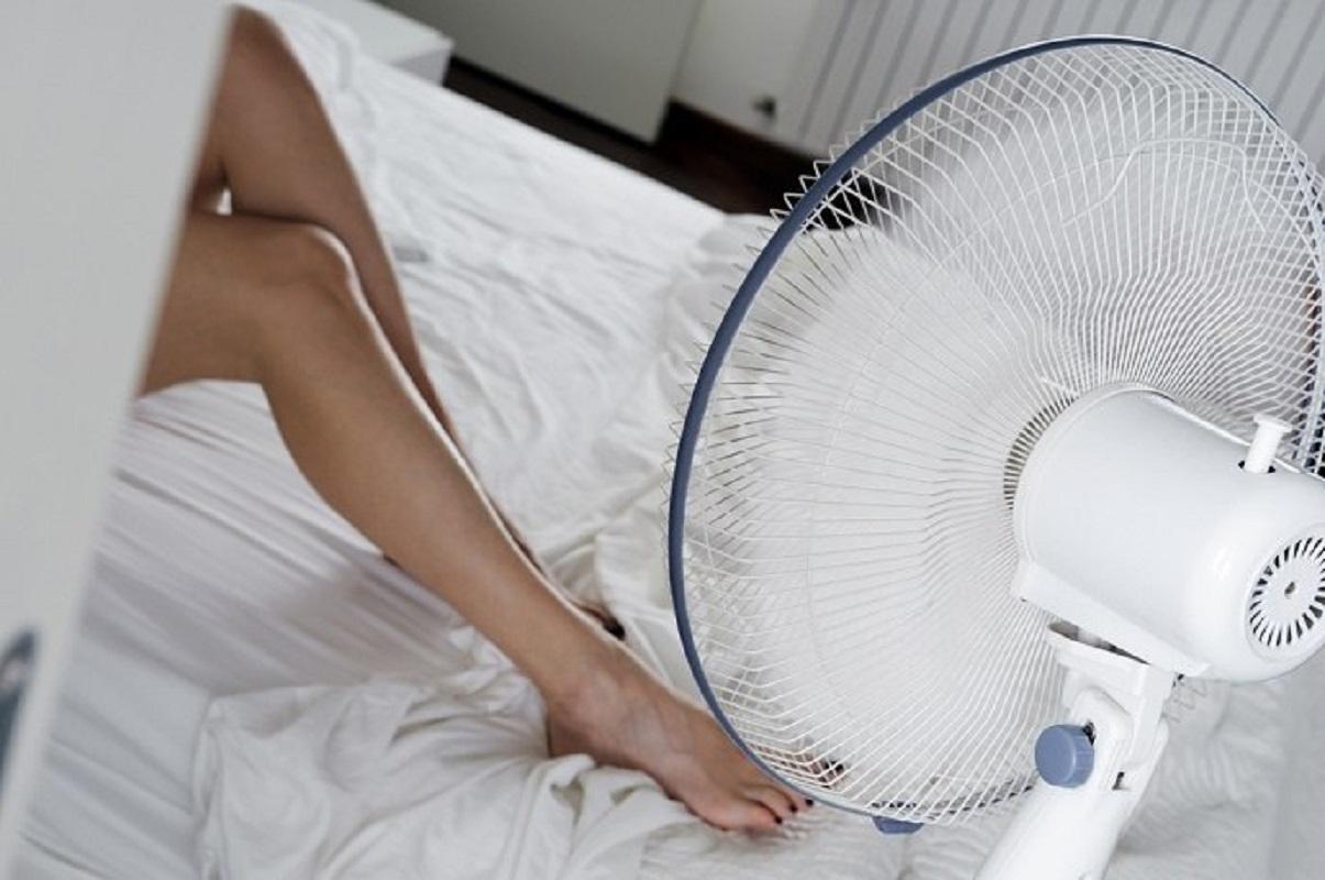 """Θερμοπληξία ή """"ηλίαση"""": Συμπτώματα – Αντιμετώπιση – Πρώτες βοήθειες – Κίνδυνος ο Καύσωνας"""