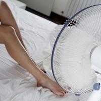 """Θερμοπληξία ή """"ηλίαση"""": Συμπτώματα - Αντιμετώπιση - Πρώτες βοήθειες - Κίνδυνος ο Καύσωνας"""